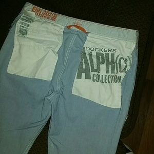 Dockers slim tapered khaki pants SZ: 32x32